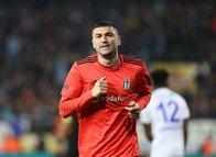 Beşiktaş Burak Yılmaz ile ilgili kararı verdi!