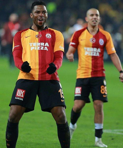 ryan donk galatasarayla gorusmeler suruyor 1595623270826 - Ryan Donk: Galatasaray'la görüşmeler sürüyor