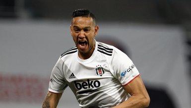 Beşiktaşlı Josef de Souza'dan camiaya teşekkür