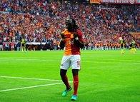 Galatasaray Gomis'i arıyor!