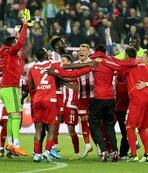 Süper Lig'in üst sıralarında kıyasıya rekabet
