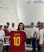 Totti'nin forması uzaya
