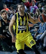 Fenerbahce beat Darussafaka in Turkish derby