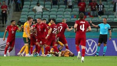 Son dakika spor haberleri: Türkiye Galler maçının sonunda ortalık ortalık karıştı! Burak Yılmaz...