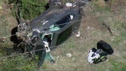 >Golf efsanesi Tiger Woods trafik kazası geçirdi! İZLEYİN