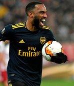 Lacazette attı Arsenal avantajı kaptı
