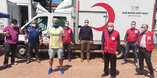 İznik Derneği kan bağışladı - Futbol -