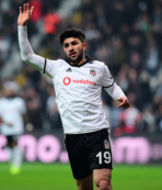 Beşiktaş'ın santrforlarının istikrarı yok