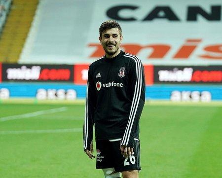 besiktastan fenerbahceye flas takas teklifi dorukhan tokoz ve ozan tufan 1597261008900 - Beşiktaş'tan Fenerbahçe'ye flaş takas teklifi! Dorukhan Toköz ve Ozan Tufan...