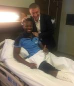 Ağaoğlu ameliyat öncesi Onazi'ye moral verdi