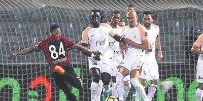 Galatasaray Gençlerbirliği maçında sarı kart tartışmaları