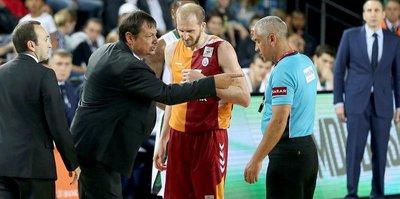 Ergin Ataman'a şok ceza!