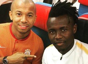 Galatasaray Sunday Alimi ile sözleşme imzalıyor