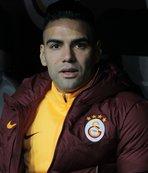 Radamel Falcao'nun geri dönüşü Kolombiya'da manşetleri patlattı!
