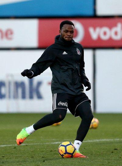 Beşiktaşta yeni transfer antrenmana çıktı