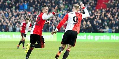 Van Persie'li Feyenoord Hollanda kupasında finale kaldı