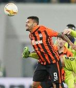 Shakhtar Donetsk, Dentinho'nun sözleşmesini yeniledi