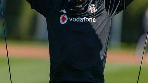 Son dakika transfer haberi: Beşiktaş'a çifte müjde! Jeremain Lens ve Douglas'a talip çıktı