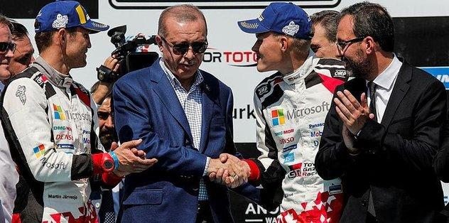 Türkiye Rallisi'nde zafer kazanan Ott Tanak'ın ödülünü Erdoğan verdi