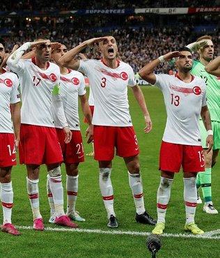 Fenerbahçeli Adil Rami'den asker selamı hamlesi