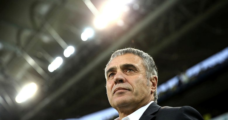 Lider sahaya çıkıyor! İşte sürpriz Başakşehir maçı 11'i