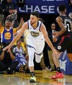 Stephen Curry play-off'lara rekorla başladı