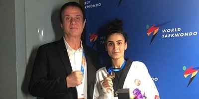 Milli tekvandocu Hatice Kübra İlgün'den altın madalya