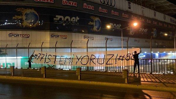 fenerbahce taraftarindan flas tepki gokhan gonul ve caner erkin 1595856757428 - Fenerbahçe taraftarından flaş tepki! Gökhan Gönül ve Caner Erkin...