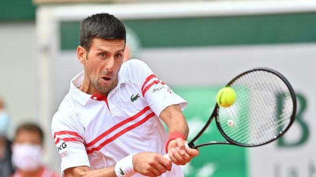 Djokovic, rakibi Musetti'nin 5. sette sakatlanması sonrası çeyrek finale çıktı #
