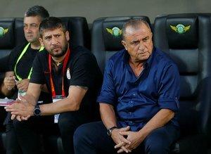 Fatih Terim, Feghouli'yi gözden çıkardı