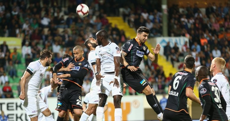 Alanyaspor - Atiker Konyaspor maçından kareler...