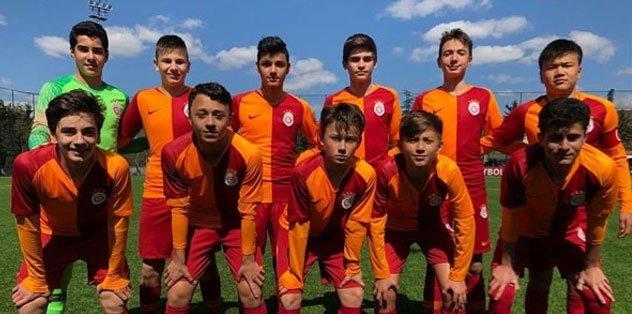 Galatasaray U14 Takımı'ndan Barcelona'ya gol yağmuru!