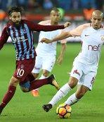 Trabzonspor - G.Saray maçında kırmızı kartlar havada uçuştu!