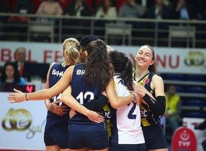 Fenerbahçe Opet Galatasaray HDI Sigorta'y 3-2 yendi