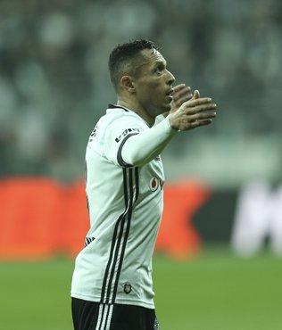 Adriano gidiyor!