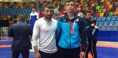 Osmaniyeli Güreşçiden Türkiye üçüncülüğü