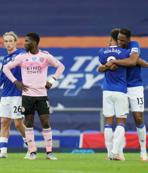 Çağlar'lı Leicester'a Everton şoku!