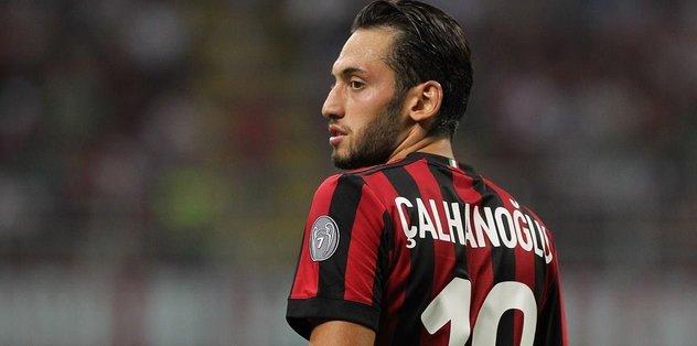 """İtalya'da gündem Hakan Çalhanoğlu! """"Milan'ın en iyisi"""" - Futbol -"""