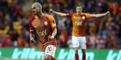 Sneijder başka