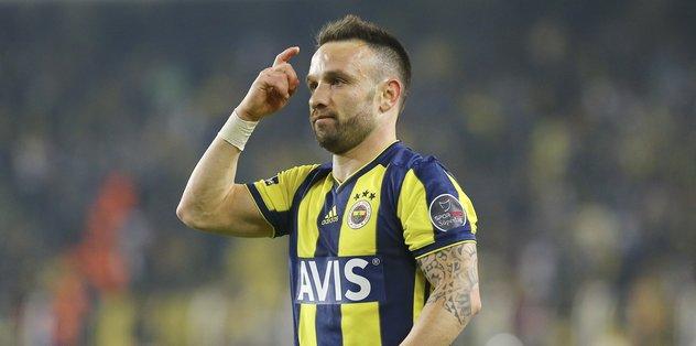 Fenerbahçe'de Valbuena frikikten attı sosyal medya yıkıldı! İşte yorumlar