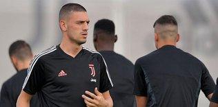 merih demiraldan mujdeli haber geri dondu 1594558282945 - Juventus Teknik Direktörü Sarri'den Merih Demiral açıklaması