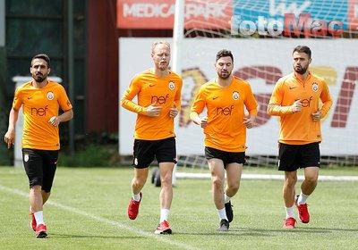 Galatasaray ve Beşiktaş'ın transfer savaşı! İngilizler duyurdu...