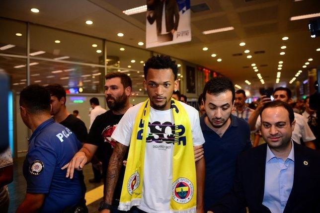 Fenerbahçenin yeni transferi Jailson, Alex de Souza onaylı!