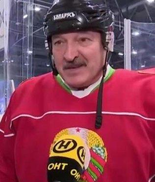 Belarus Devlet Başkanı Lukaşenko coronaya rağmen hokey maçına çıktı