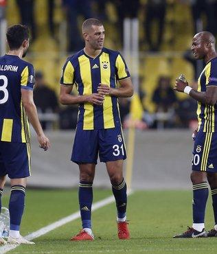 Fenerbahçe taraftarından o futbolcuya tepki!