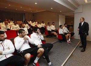 Fatih Terim futbolcularla bir araya geldi