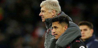 Arsenal'de kalıyorlar!