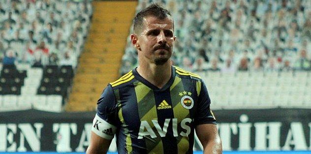 Fenerbahçeli Emre Belözoğlu'nun transfer olduğu takımı duyanlar şaştı kaldı! Galatasaray formasını öperken...