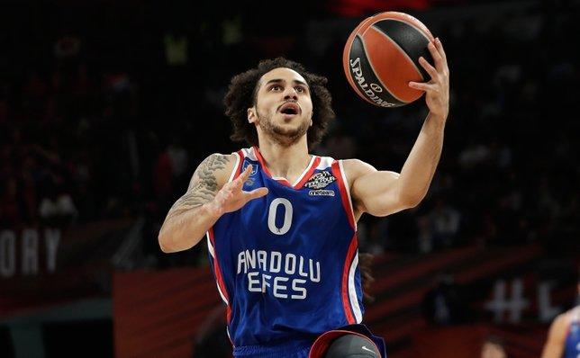 Anadolu Efes'in yıldız ismi Shane Larkin hayata basketbolla tutunmuş!