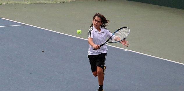 """Türkiye <a href=""""/index/14-yas-tenis-turnuvasi?id=c966c1d7-f22e-4565-aeeb-3cc4a686c4fb"""" class="""""""" rel=""""tag"""">14 Yaş Tenis Turnuvası</a> başladı"""